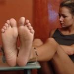 Footjob : les plaisirs de la branlette avec les pieds
